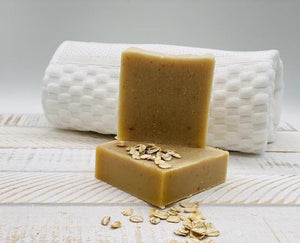The perfect duo for soothing delicate skin. Oats calm dry itchy skin while honey works as an antibacterial agent for pores.  Oat + Honey Facial Soap Sensitive is scent free and coloring free. Our face soaps are made with shea butter for an additional moisturizing feel.  Ingredients: shea butter, coconut oil, olive oil, mineral oils, glycerin, raw honey, oats.  *Contains tree nuts oil.