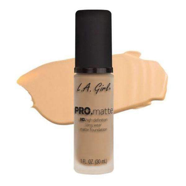 orabelca:L.A. Girl Pro Matte Foundation,Bisque