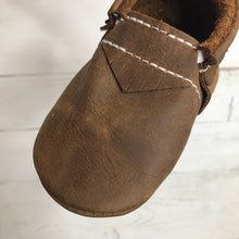 Load image into Gallery viewer, Boulder Brown Moccasins