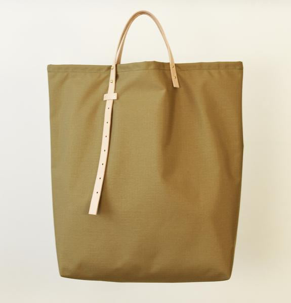864 Design Medium Nylon Tote