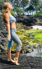 Load image into Gallery viewer, Organic Cotton Capri Leggings with Crochet Sides