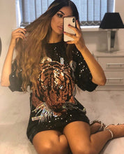 Load image into Gallery viewer, Sequin tiger detail oversized T-shirt