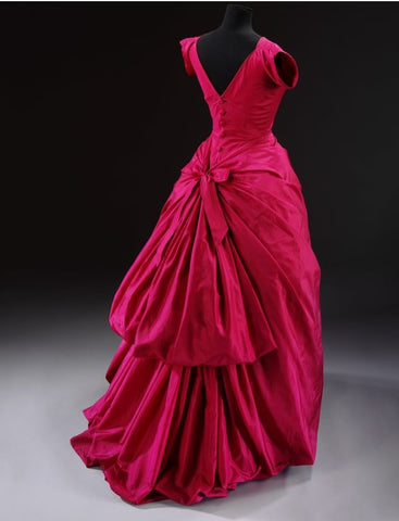 Sketch blog Balenciaga fashion exhibition at the V&A Museum