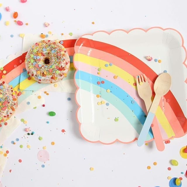 Meri Meri Scalloped Rainbow Plates
