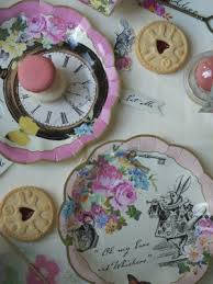 Talking Tables Truly Alice Cake Plates