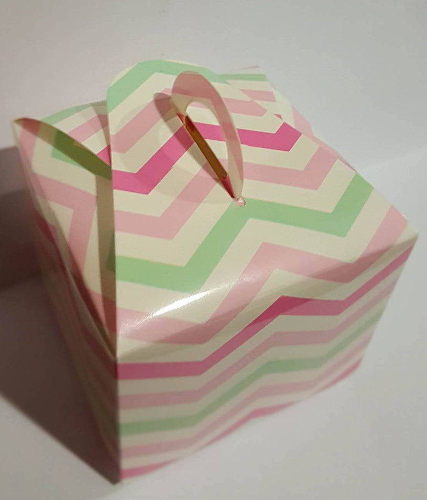Pink and mint cupcake boxes