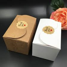 Kraft and white cake boxes