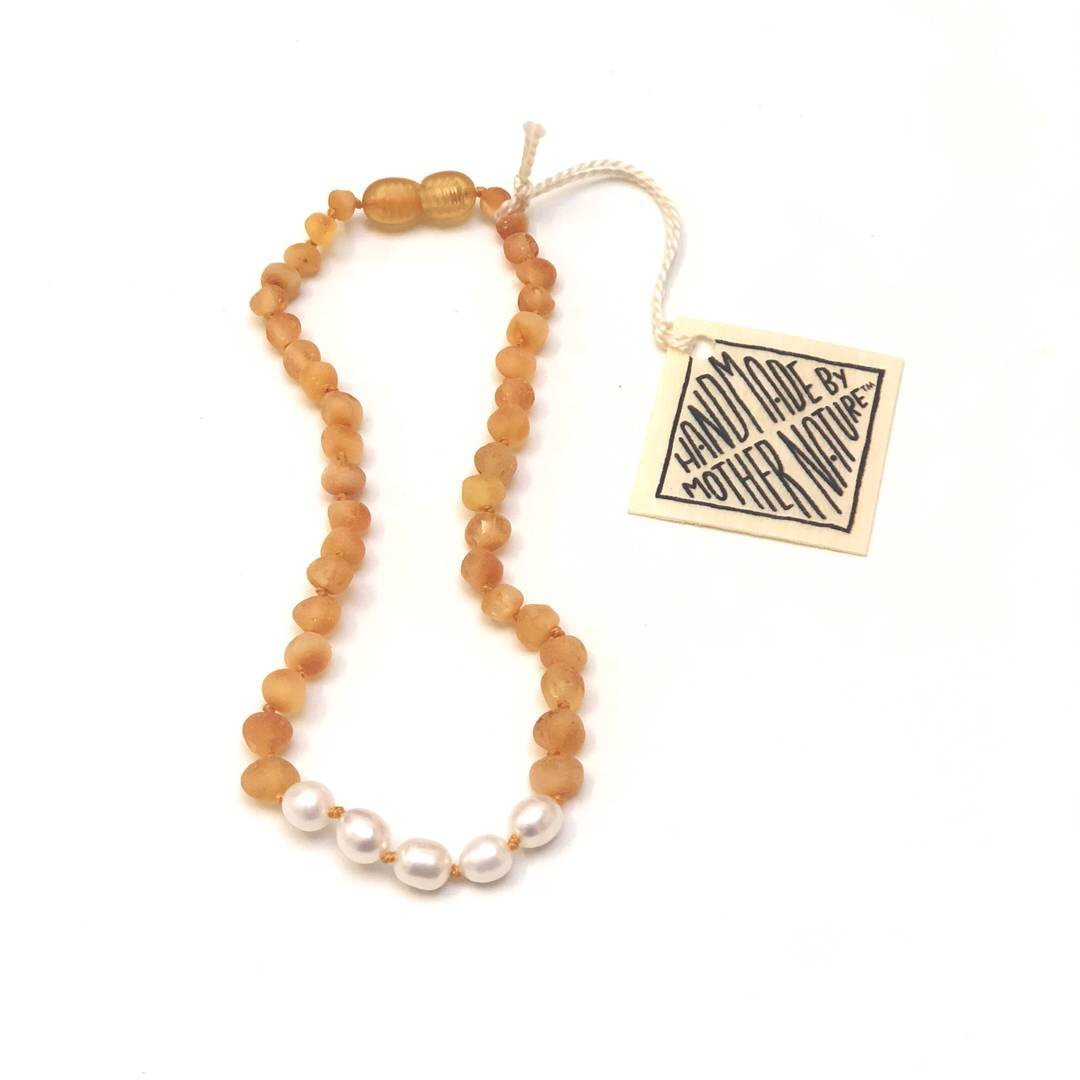 Canyon Leaf Raw Honey Amber + Pearls Necklace - Wayfaring Baby