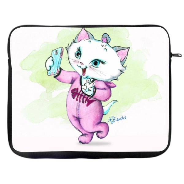 Nina Selfie - Laptop Case
