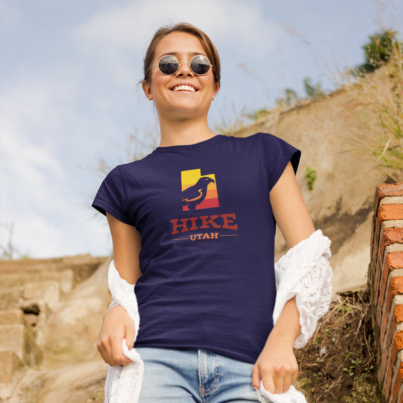 Women's Hike Utah Hawk Gradient t-shirt navy