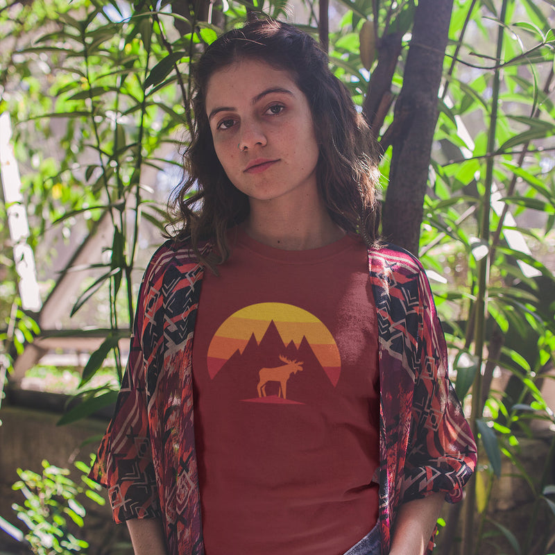 Women's Mountain Moose t-shirt red