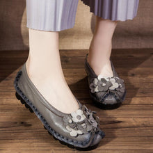 Load image into Gallery viewer, Women  Soft Bottom Flat  Comfortable Flowers Single Shoes