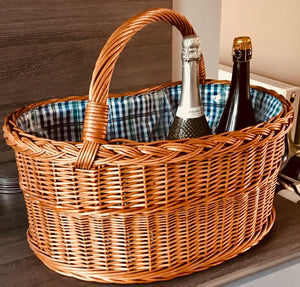 Dee-lightful Wicker Shopping Basket