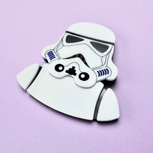 Load image into Gallery viewer, Star Wars - Stormtrooper Brooch