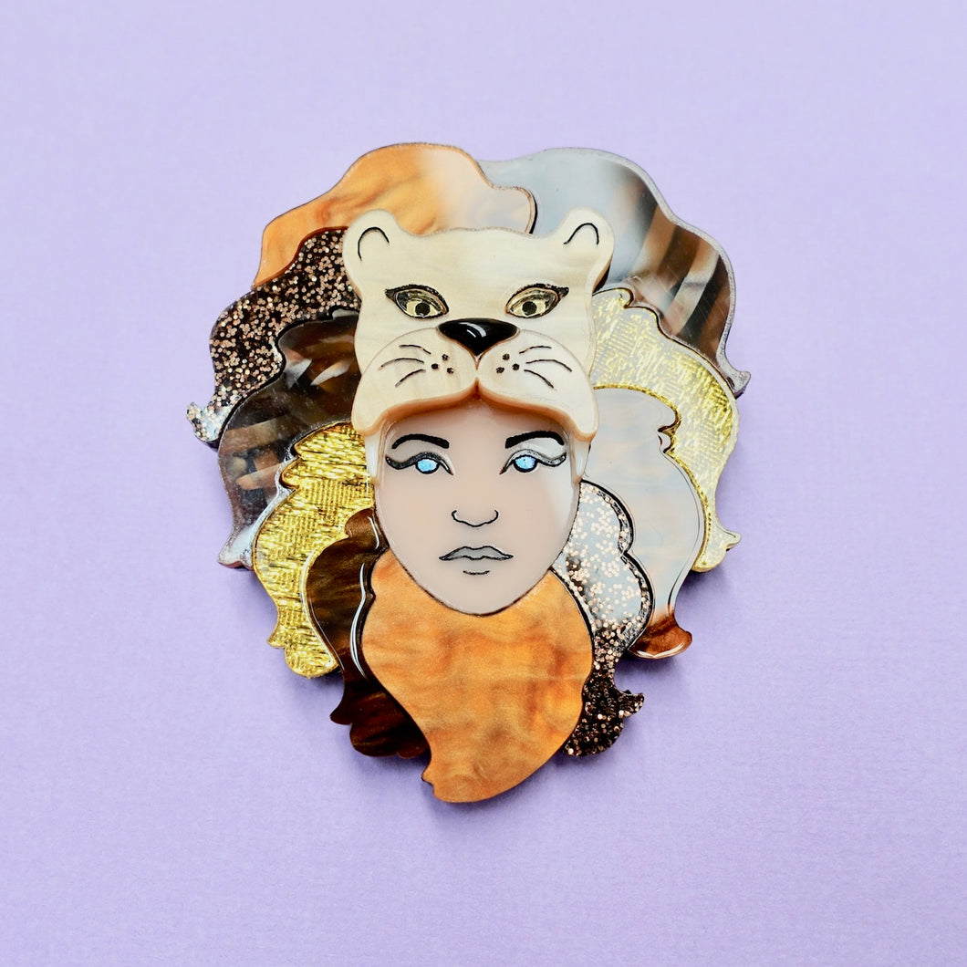 Luna Lovegood Lion Hat Brooch - edenki