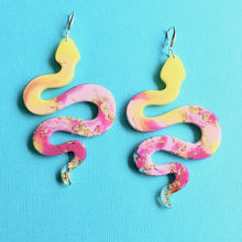 Load image into Gallery viewer, Familiars - Cosmic Snake Resin Earrings - Yellow - edenki