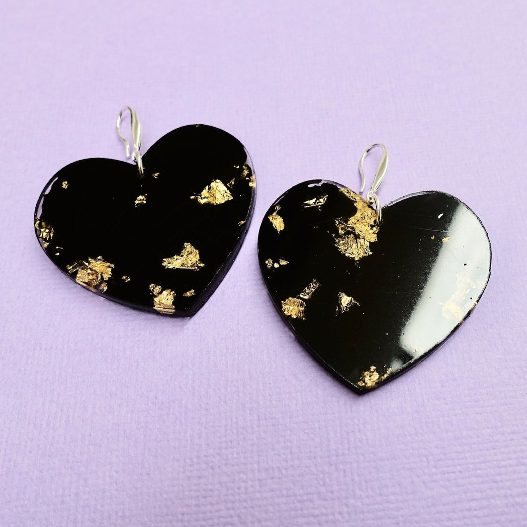 Sweet Heart Earrings in Black w. Gold Flakes - edenki
