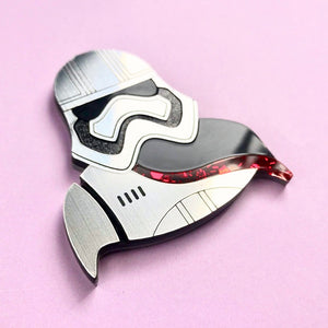 Star Wars - Captain Phasma Brooch - edenki