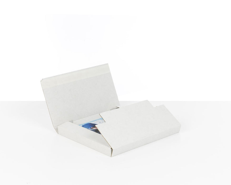 100% Recycled White Mailer Boxes - The sustainable sourcing company