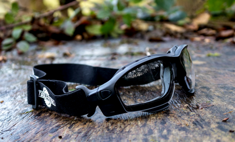 Why is it important that I own a pair of comfortable Safety Glasses? Join us, ToolFreak as we discuss the favoured features of foam lined Safety Glasses.