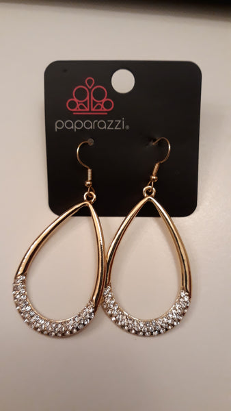 Paparazz Accessories - www.5dollarstylemaven.com - Gold encrusted teardrop shaped earrings -