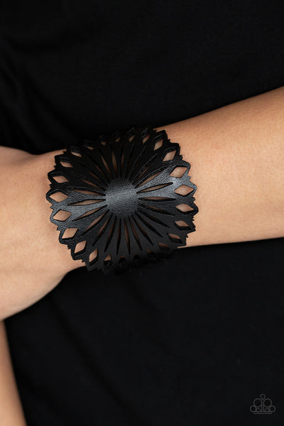 Paparazz Accessories - www.5dollarstylemaven.com - Wildflower Garden - Black - Paparazzi Accessories -