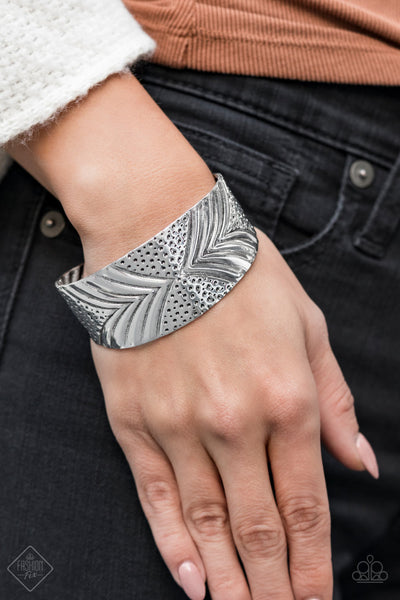 Paparazz Accessories - www.5dollarstylemaven.com - Geo Guru - Silver - Paparazzi Accessories -