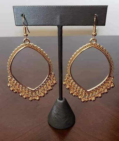 Paparazz Accessories - www.5dollarstylemaven.com - Heirloom Harmony - Gold - Paparazzi Accessories -