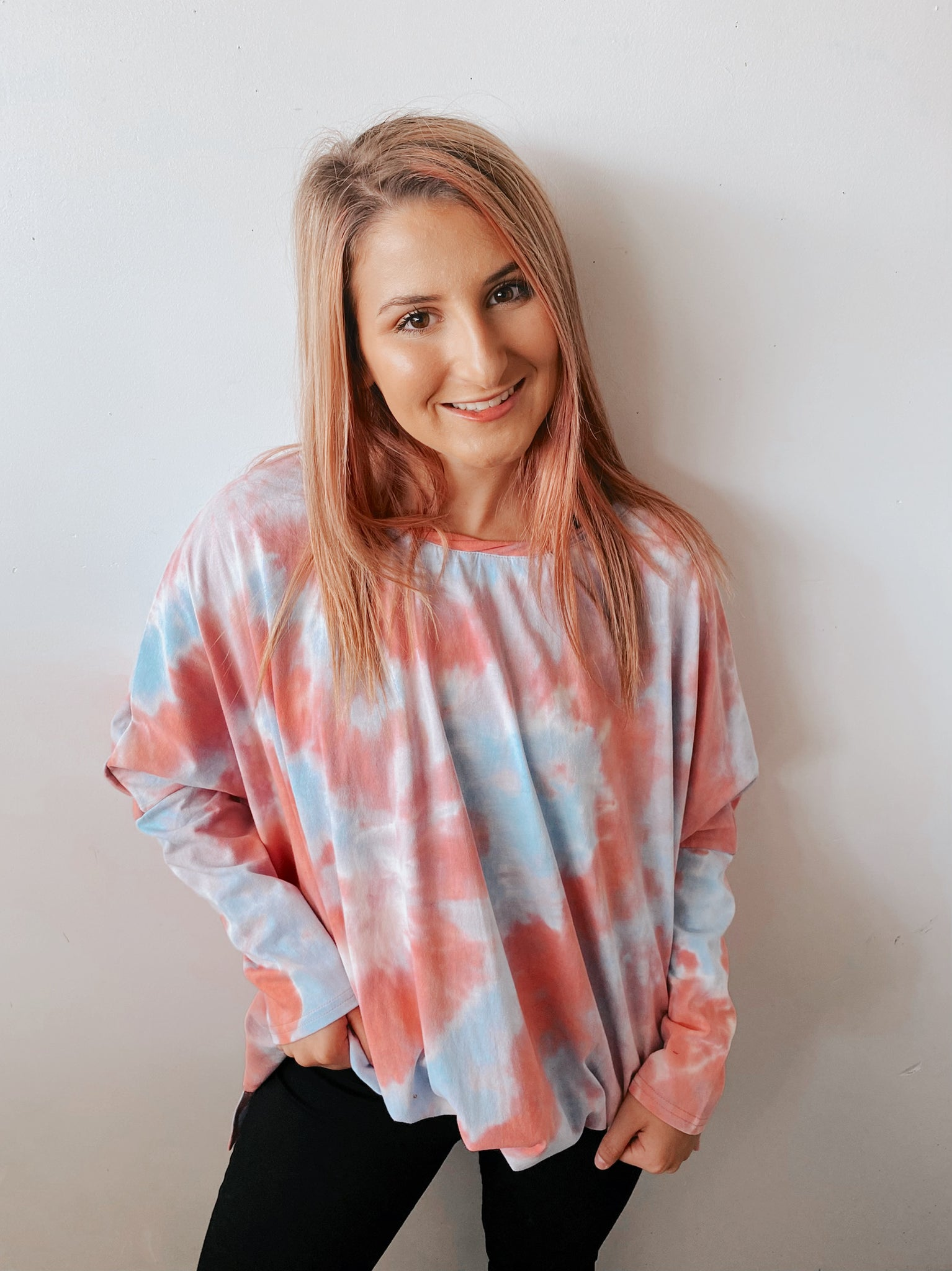 FEELS RIGHT TIE DYE PULLOVER