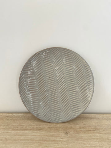 "8"" debossed stoneware plate 