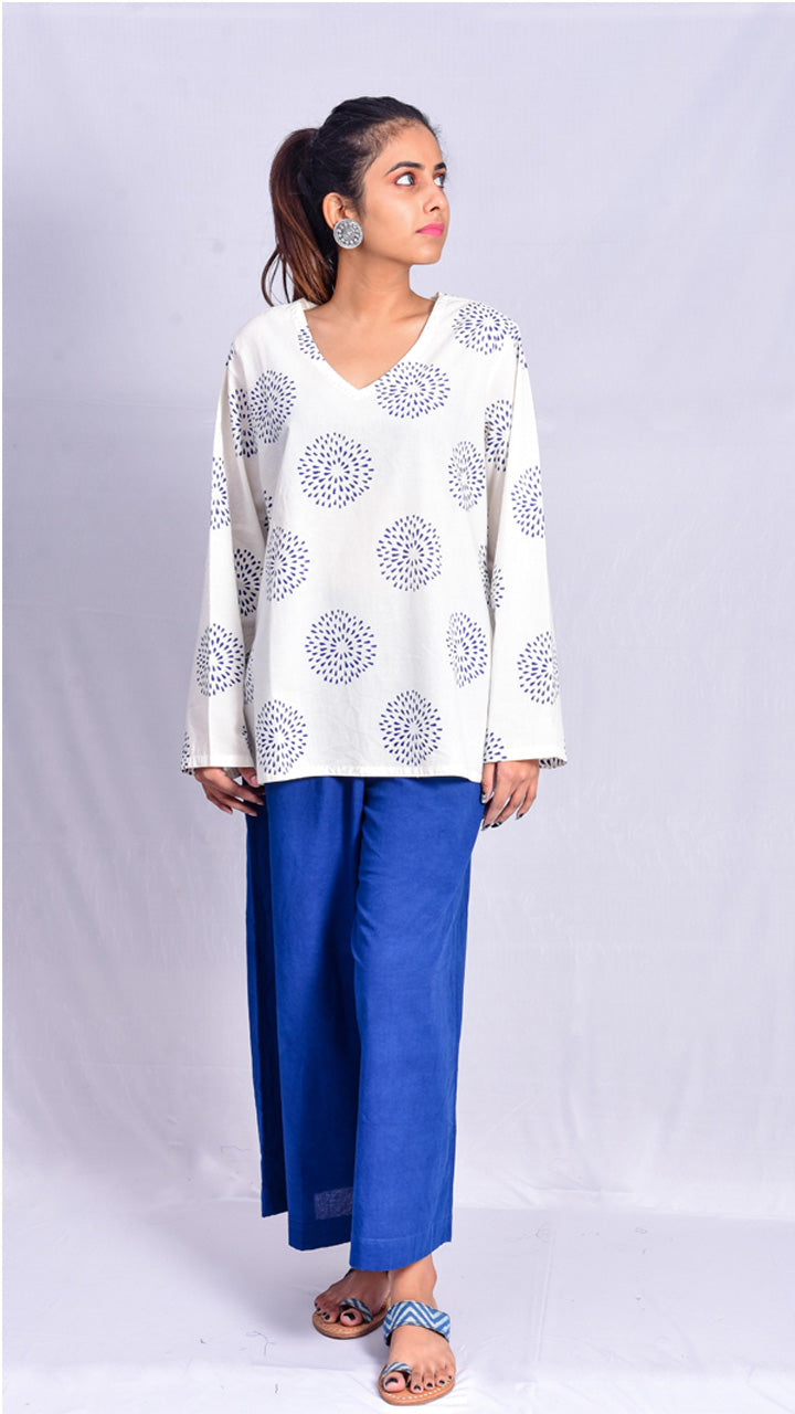 White V-neck cotton top. - Aavaran Udaipur