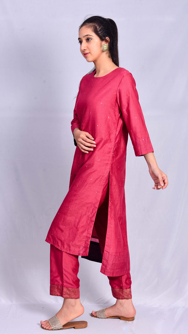 Gold Print Red Straight Kurta with Pittan Work - Aavaran Udaipur