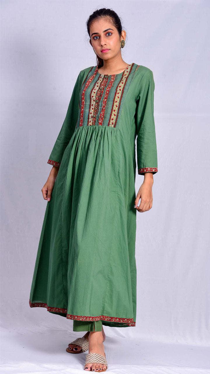 Neel-nashpal dyed kurta with printed front and back yoke - Aavaran Udaipur