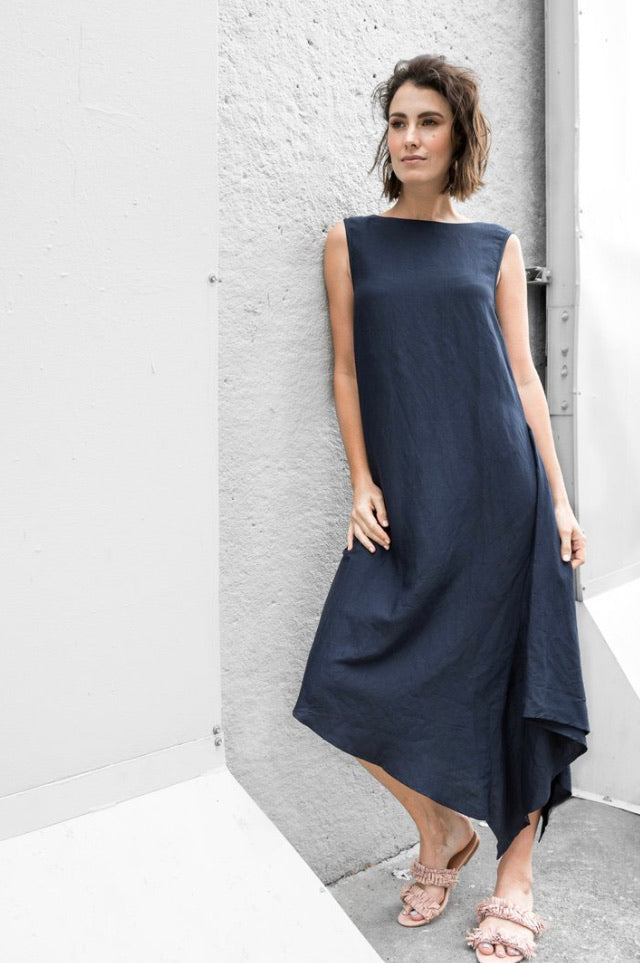 Paqoda Pipa Navy linen dress