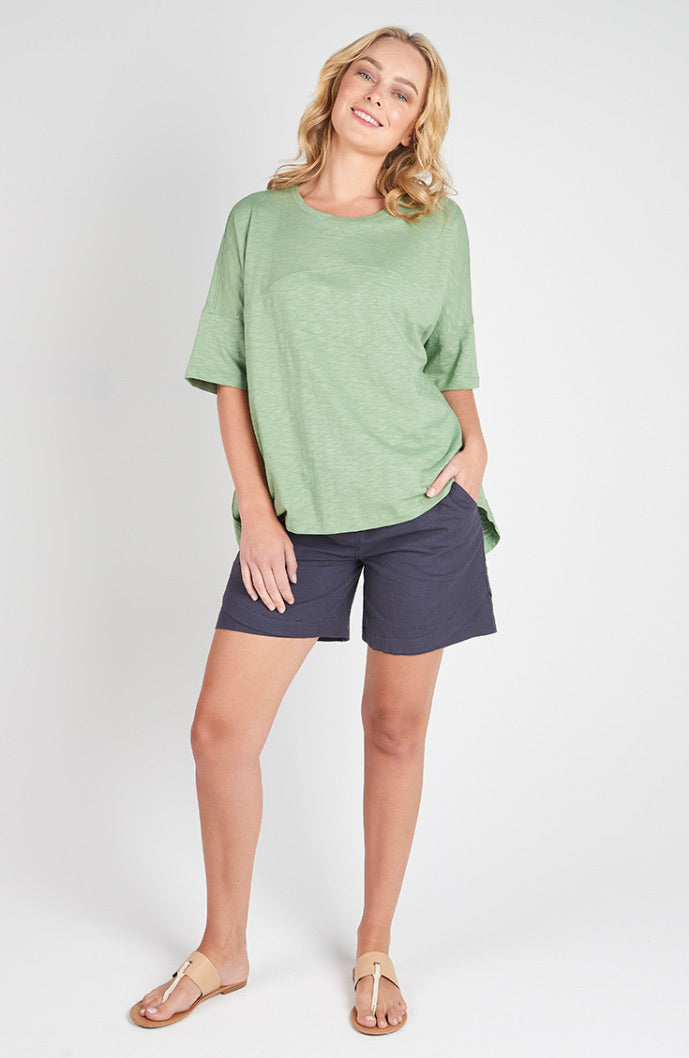 Torju Skenes Creek Tee in khaki organic cotton