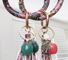 Load image into Gallery viewer, Bracelet Keychain - Rainbow (Teachers Gift)