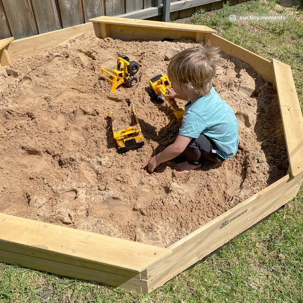Large Sandpit with Wooden Cover