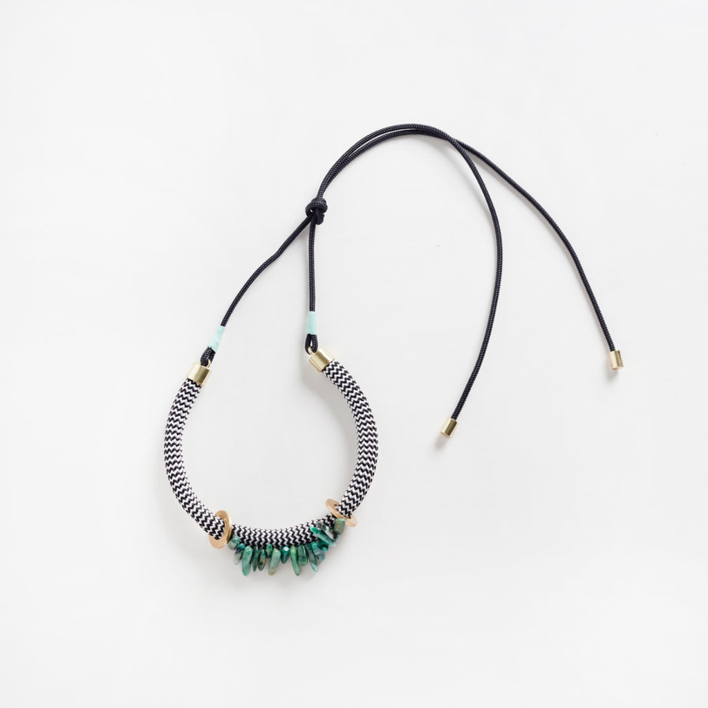 Egun Moss Necklace | White Zig Zag