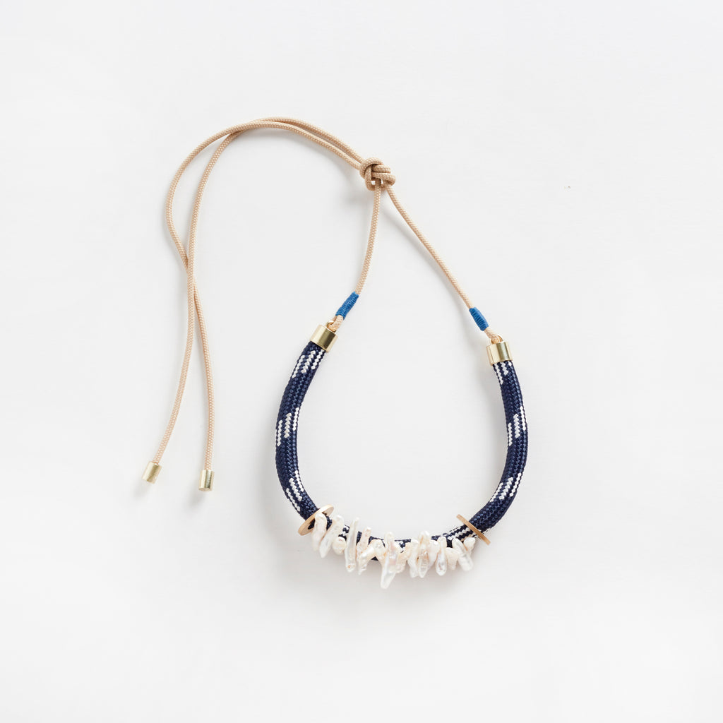 Egun Pearl Necklace | Navy Dynamic