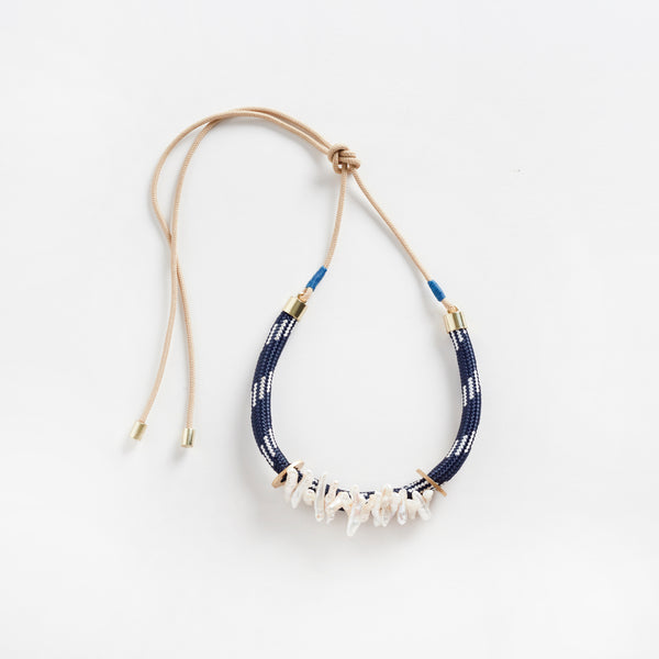 Egun Pearl Necklace Navy Dynamic Static