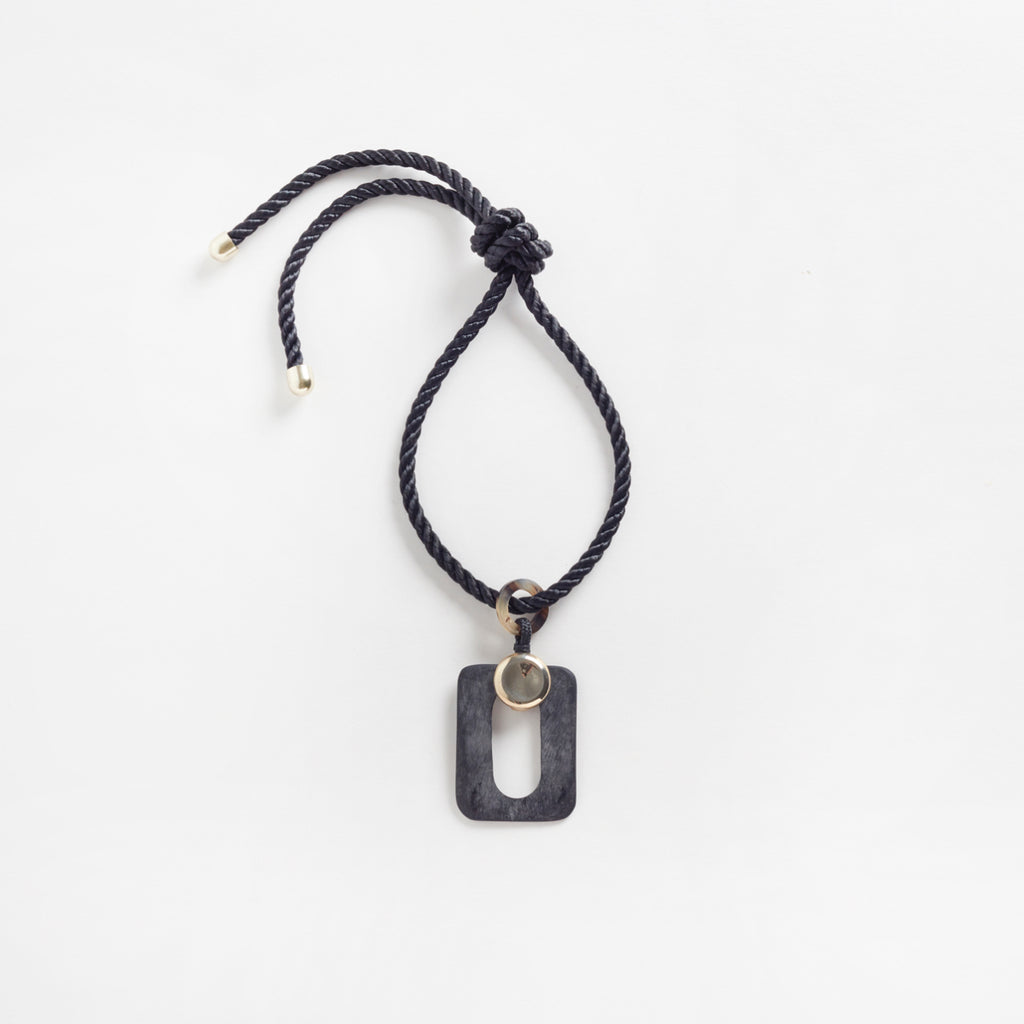 Mythos Pendant Black