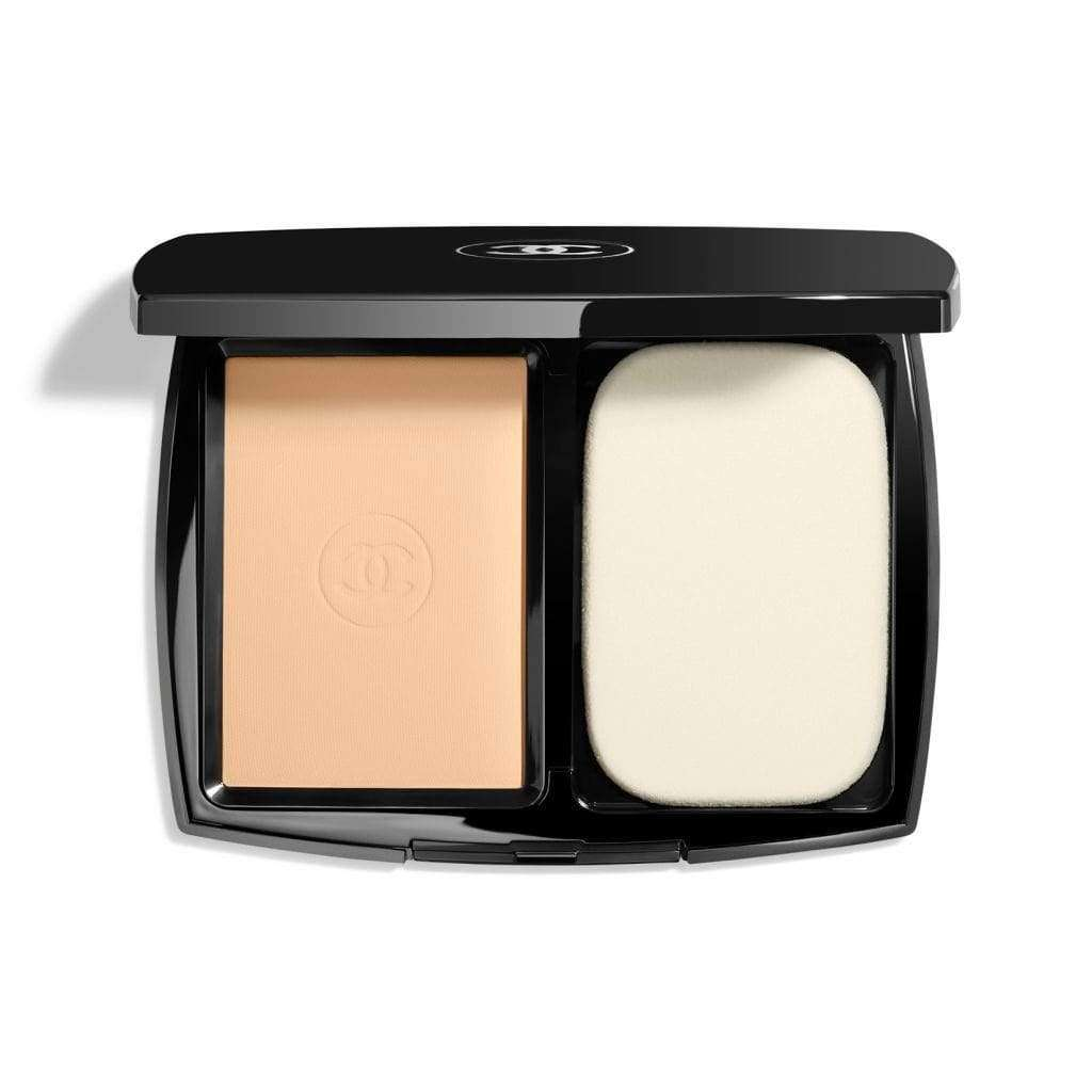 CHANEL  LE TEINT ULTRA TENUE ULTRAWEAR FLAWLESS COMPACT FOUNDATION SPF 15