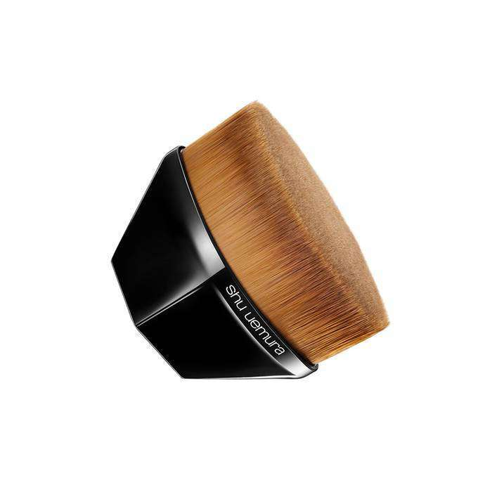 SHU UEMURA petal 55 foundation brush for fluid foundation