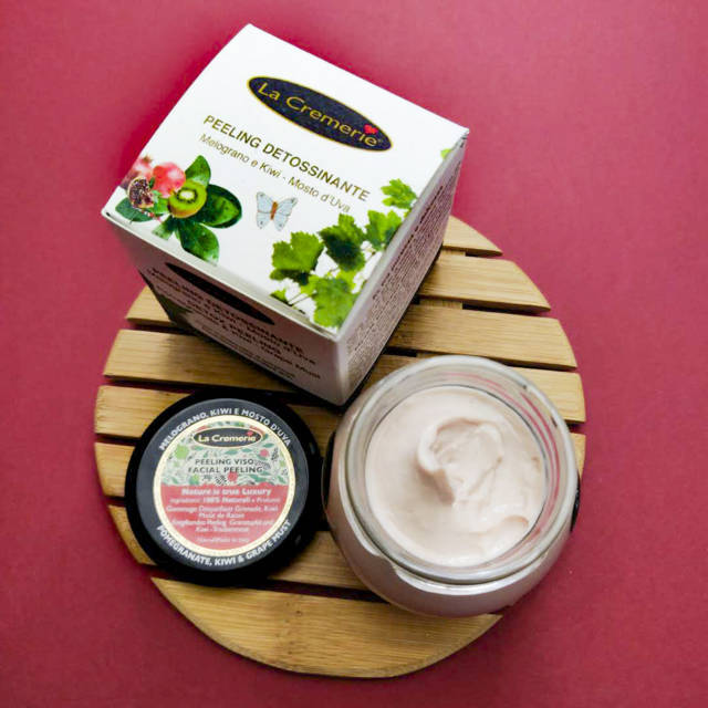 Complete Pomegranate, Kiwi and Grape Must Pack - Professional Face