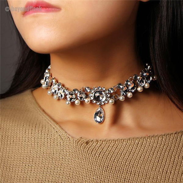 Pearly Girl Choker
