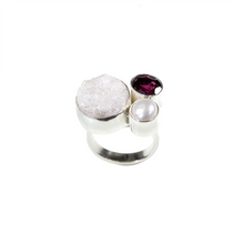 Load image into Gallery viewer, Beautiful Druzy and Garnet Ring