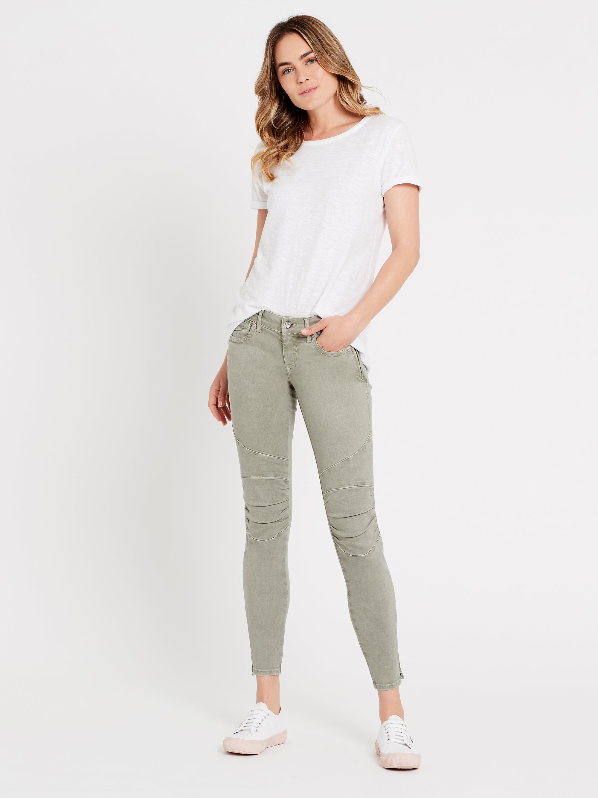 Jesy Skinny Ankle Biker Jeans in Shadow Washed Stretch