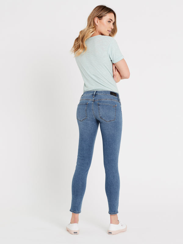Alexa Ankle Skinny Jeans in Light Gold Lux Move - Mavi Jeans