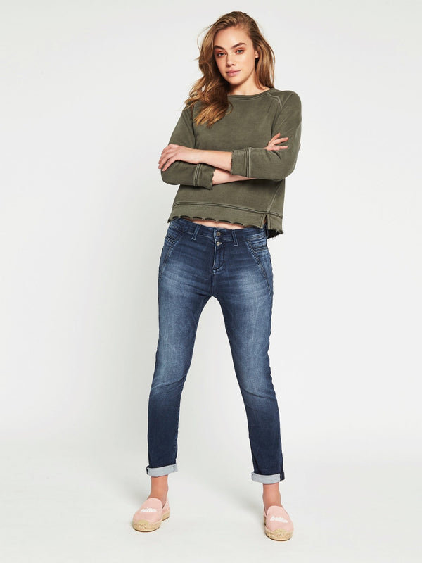 Mira Slouchy Boyfriend in Dark Brushed Sporty - Mavi Jeans
