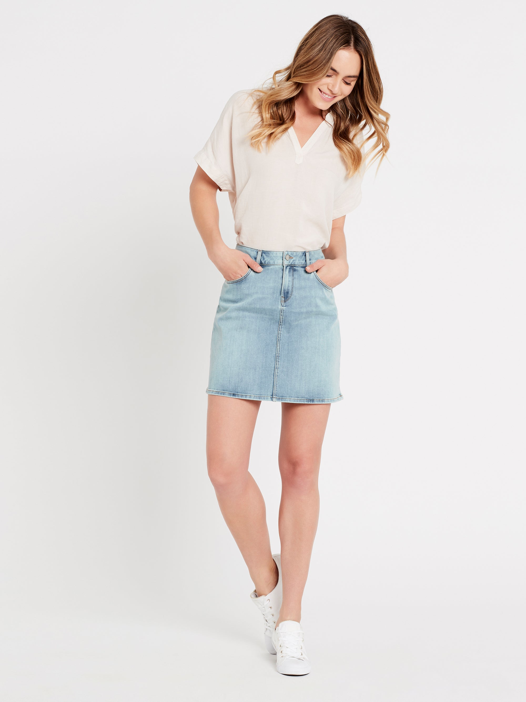 Alice A Line Curve Denim Skirt in Light Blue Vintage Stretch